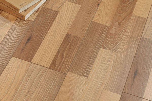 Small Embossed Surface 1217*197*8mm/12mm Laminate Flooring (LD8817)